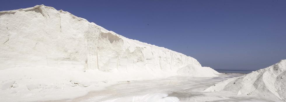Extracción y producción de sal marina